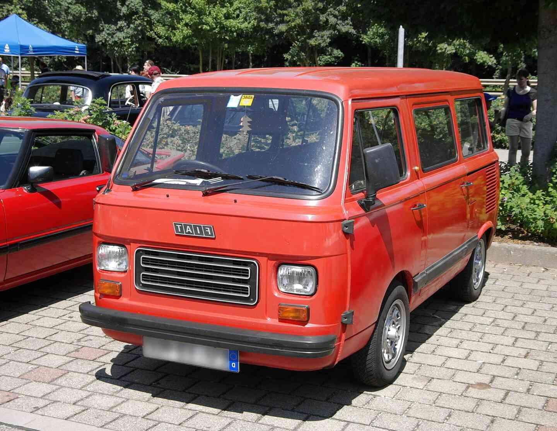 1200px-Fiat_900_E_2013-07-21_13-00-52_fi