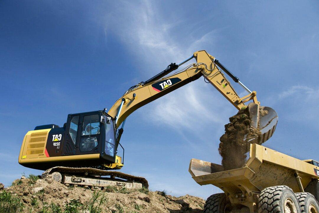 caterpillar escavatore usato
