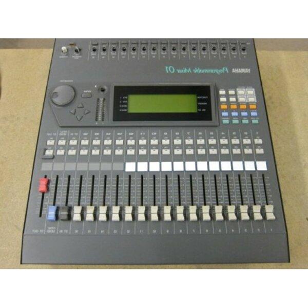 mixer yamaha 01 usato