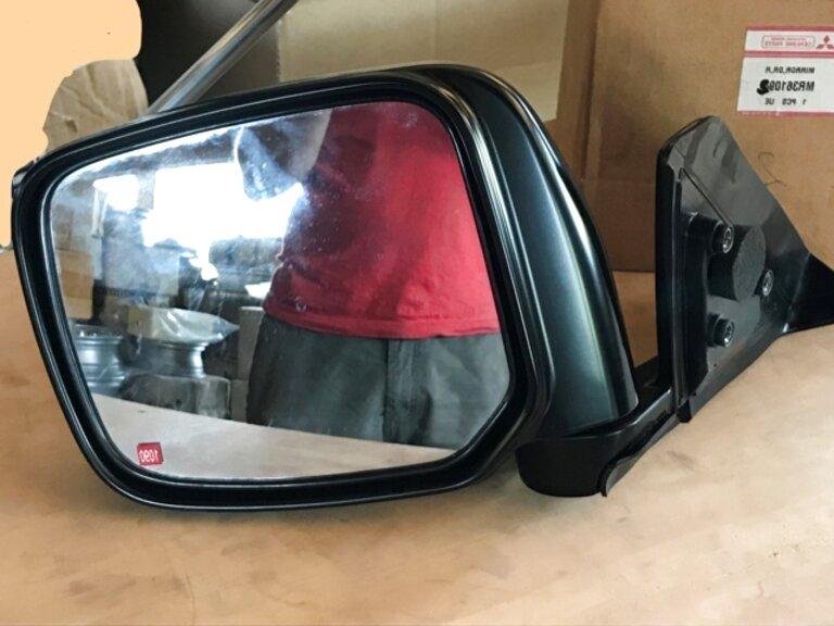 Mitsubishi L 200 L200 09.1996/>04.2005 Vetro Sx Curvo per Specchietto Retrovisore