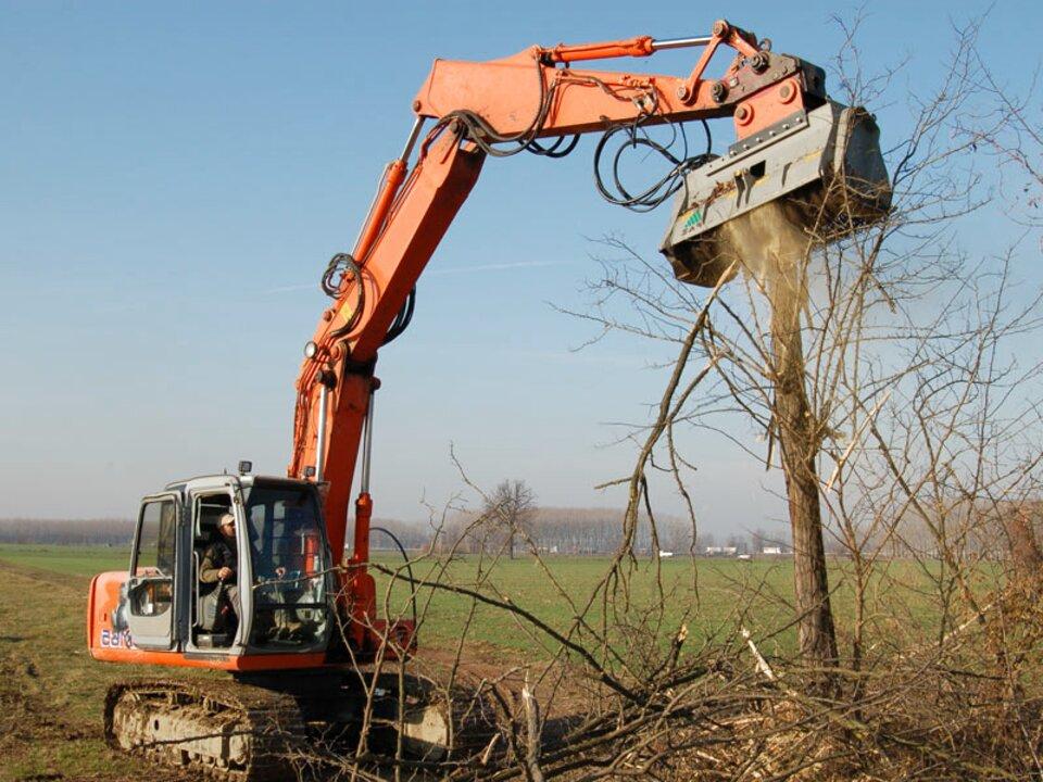 escavatore trincia usato
