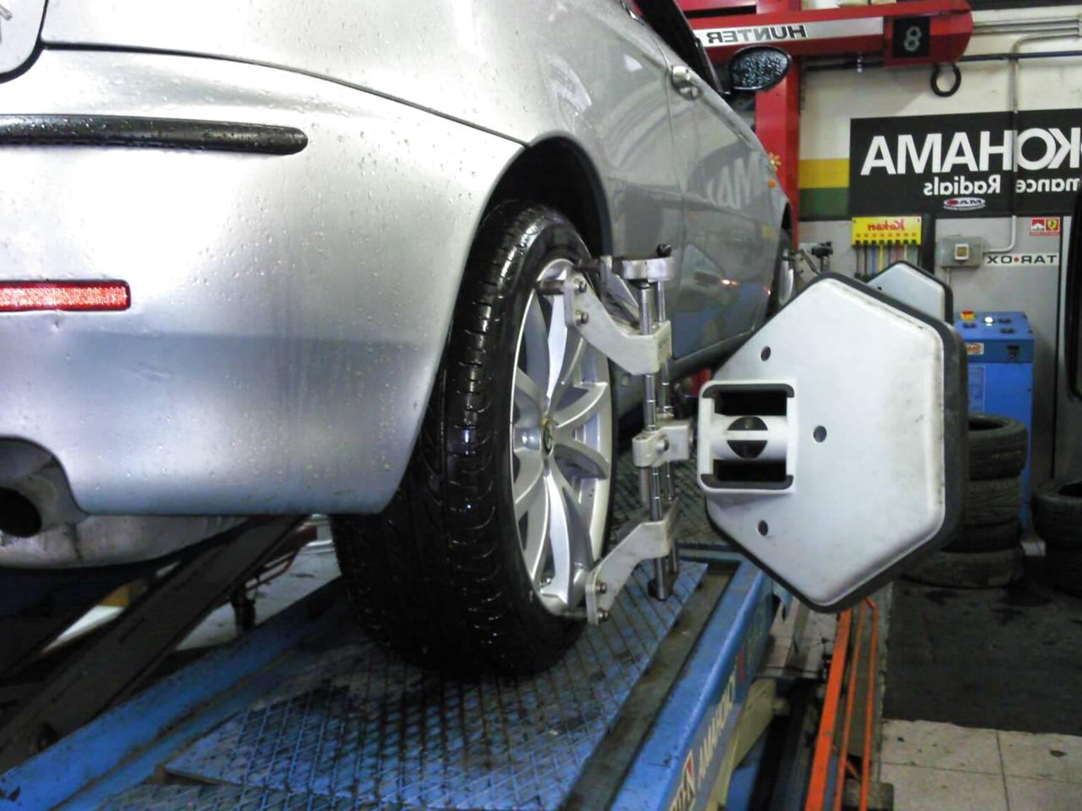 Bulloni kit 4 Distanziali Ruota ALFA ROMEO 156 164 GTV SPIDER 147 GT GTA 20mm