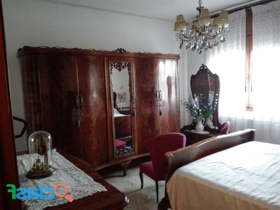 Camera Letto Matrimoniale Stile Chippendale.Camera Stile Chippendale Usato In Italia Vedi Tutte I 46 Prezzi