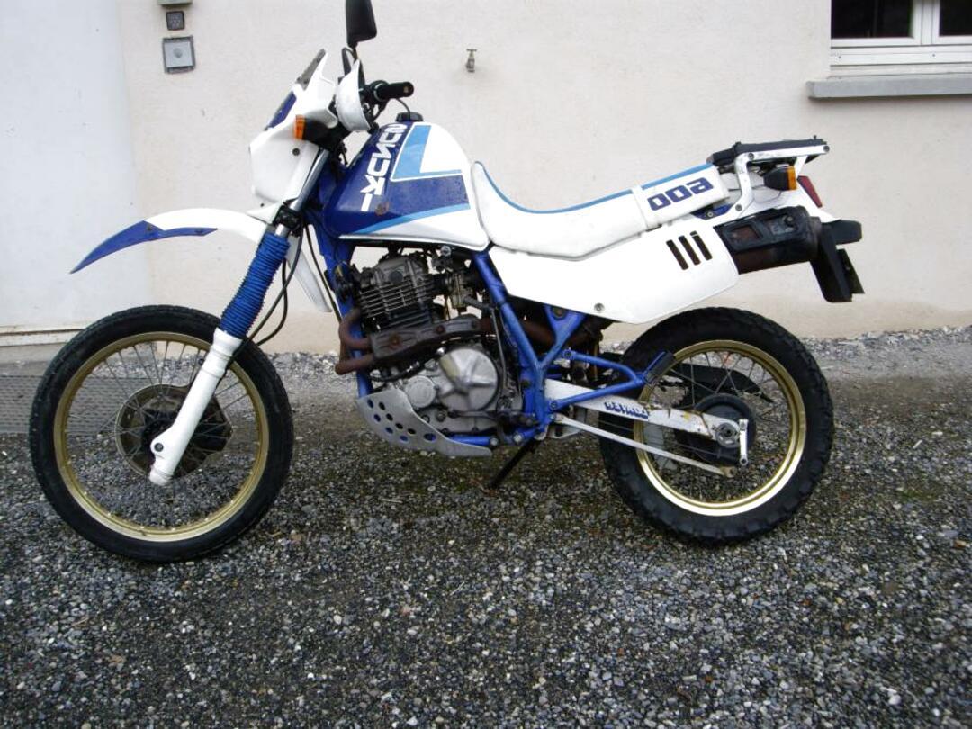 Suzuki DR DR650RS 650 cm³ 1991 - Viiala - Motorcycle