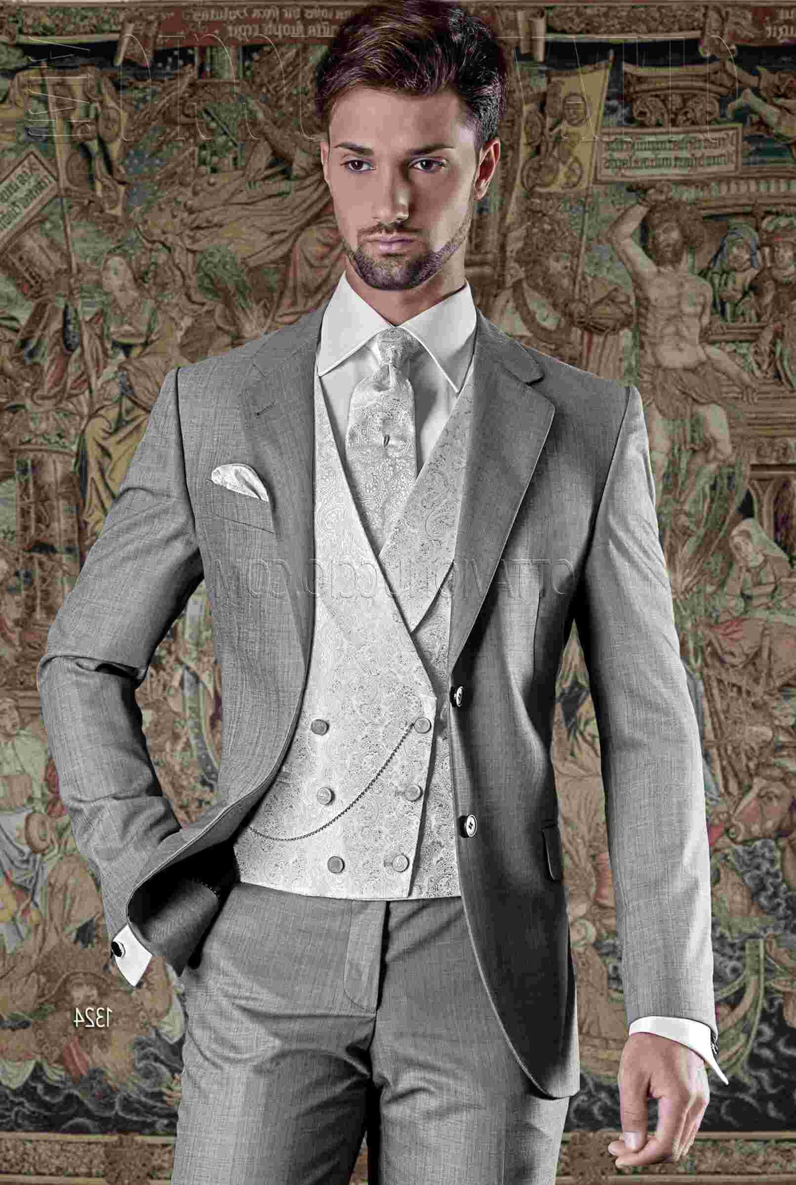abito uomo grigio chiaro usato
