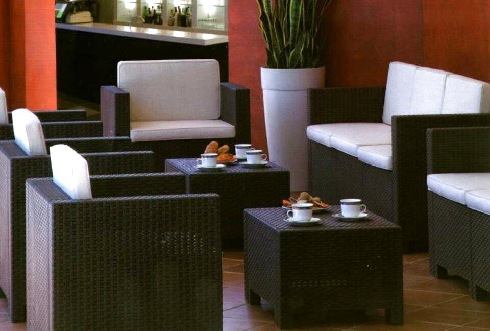 tavoli sedie bar torino