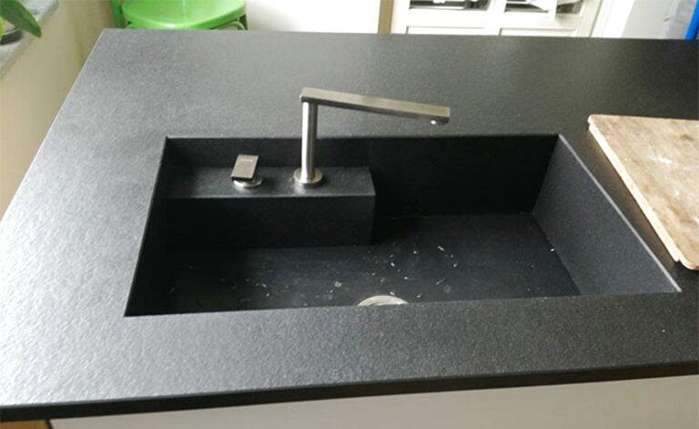 piano cucina marmo nero